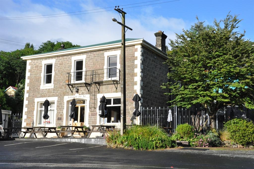 Carey's Bay Historic Hotel, Dunedin
